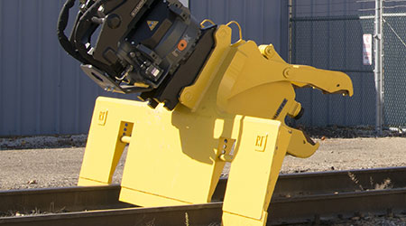 Gradall Industries: Kinshofer rail maintenance machine options