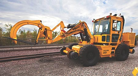 Pettibone: Speed Swing 445F rail crane